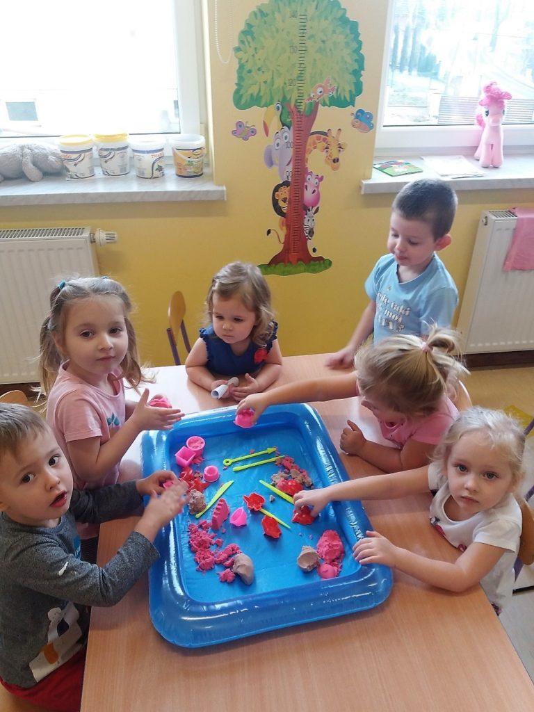 Jak dzieci spędzają czas w grupie czerwonej