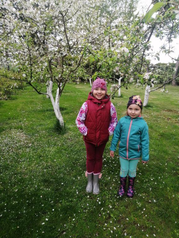 Pozdrowienia od Hani i Wandzi. Dziewczynki bardzo aktywnie spędzają czas!
